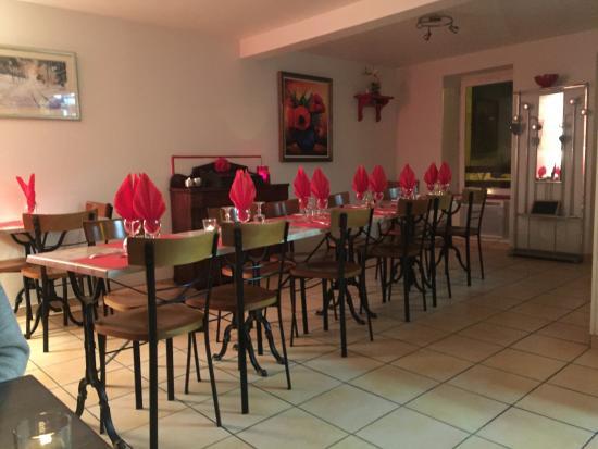 Boisset, Γαλλία: la salle du restaurant