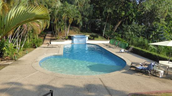 Hotel Villas Gaia: Pool at 3:42 PM
