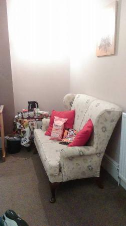 The Saddle Bed and Breakfast: Very welcome settee :-)