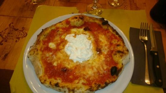 Montespertoli, Włochy: Pizza da 10!!!