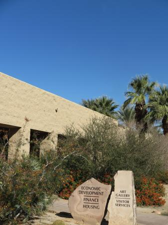‪Palm Desert Visitor Center‬