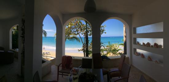 Beach Palace Cabarete: Looking out from the ground floor suite