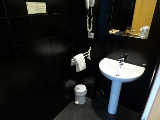 Hotel Cecyl: Bathroom