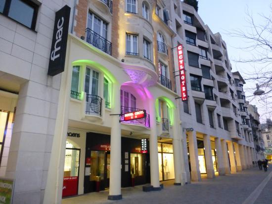Hotel Cecyl: Entrance