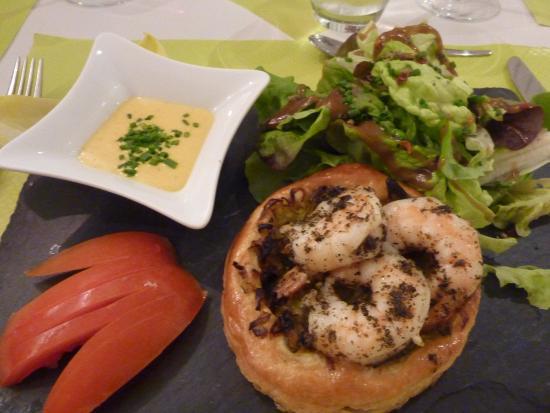 L'Escargot: Prawns with saffron sauce