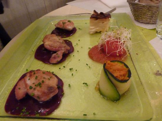 L'Escargot: Poultry with cassis sauce