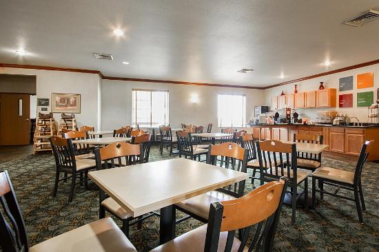Comfort Inn & Suites Madison North: breakfast3