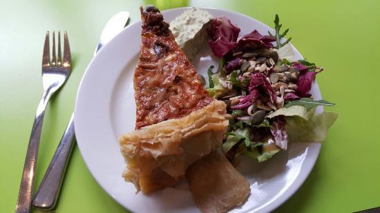 Cadadia Restaurant & Lounge & Garden