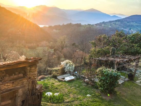 Armeno, Italië: Aussicht von Zimmertür