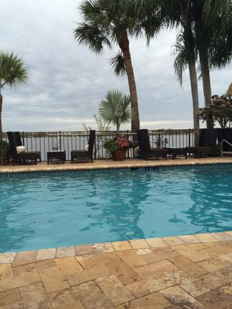 Sebring, FL: Beautiful surroundings on the lake.