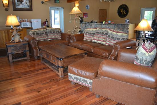 Cowlitz River Lodge : Sitting area