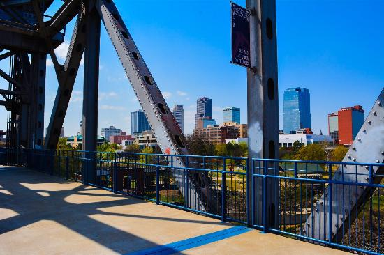 Riverfront Park: Awesome views from the junction bridge which you can walk across!