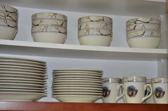 Bigfork, MT : Full set of dishes