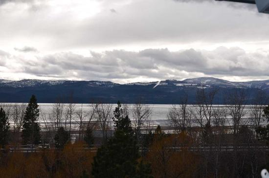 Bigfork, MT: Seriously...this is the view from the balcony. Stunning~