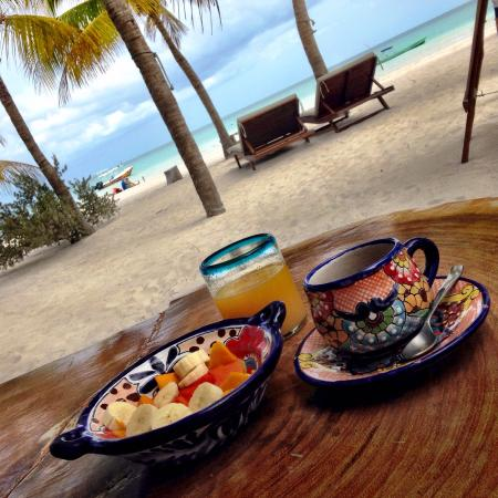 Holbox Hotel Mawimbi: Daily breakfast with stunning views