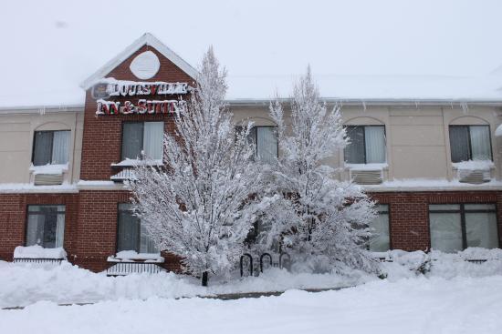 Best Western Plus Louisville Inn & Suites: Winter Storm Selene!