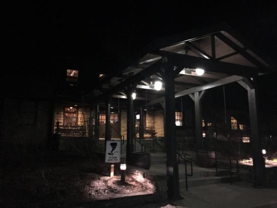 Cumberland Falls State Resort - Dupont Lodge