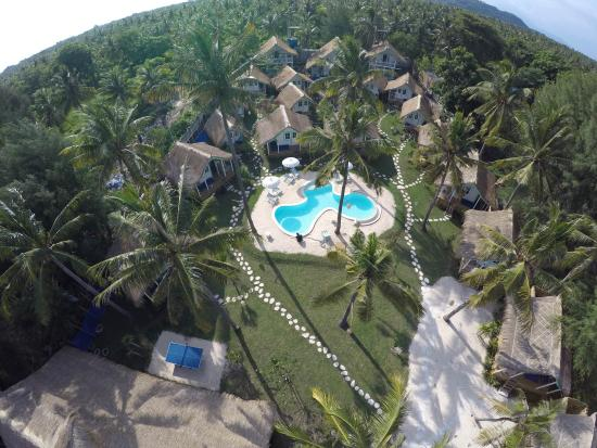 Le Pirate Beach Club Gili T Hotel: Pirate gili from above