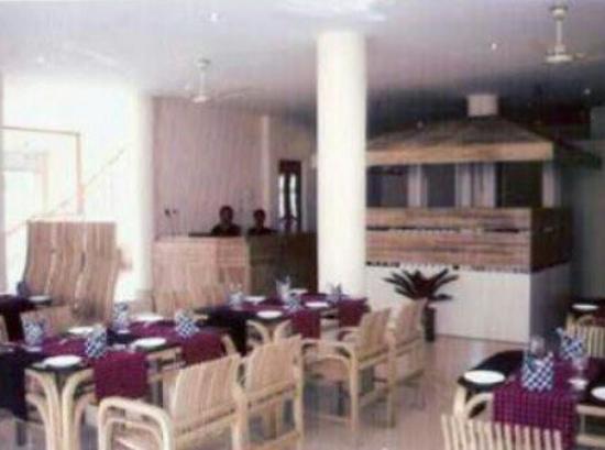 Prayag Emerald: Restaurant_large.jpg