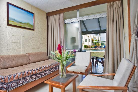 Fiji Gateway Hotel: Suite Room