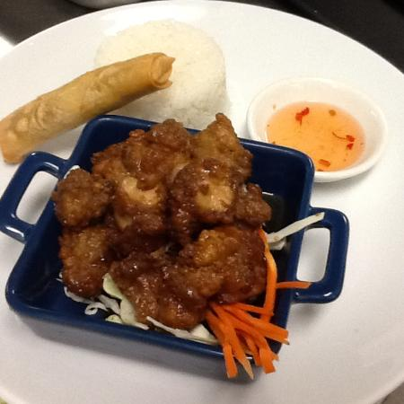 Thai Smile House: Lunch specials,Full Moon chicken served with rice and complimenty mini veg. spring roll.