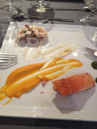 RESTAURANT Le Lion d'Or: Cuisson 3 étoiles de ce saumon !! Une tuerie !
