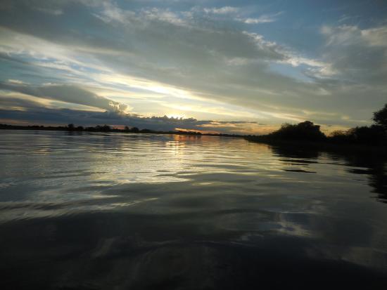 Rundu, Namíbia: Bootstour zum sundowner