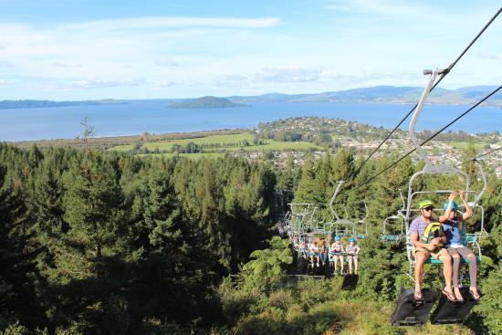 Skyline Rotorua The Chairlift Returning Riders To Top Of Run Lake