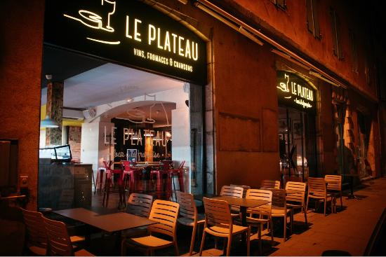 Bar le plateau grenoble restaurant avis num ro de t l phone photos tripadvisor - Restaurant le garage grenoble ...