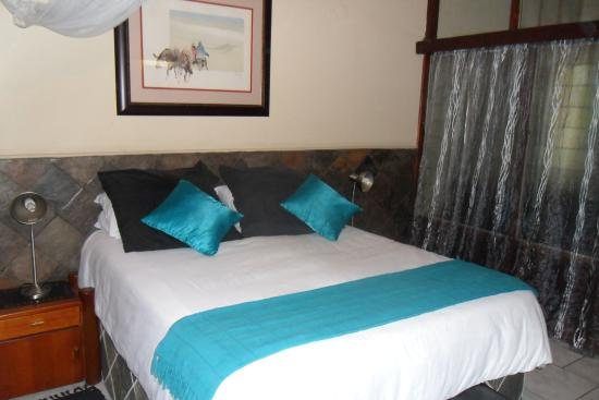African Lily Self Catering Family Suites: Room