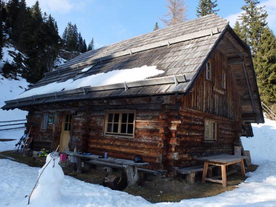 Bad Sankt Leonhard im Lavanttal, Austria: Schihütte im März