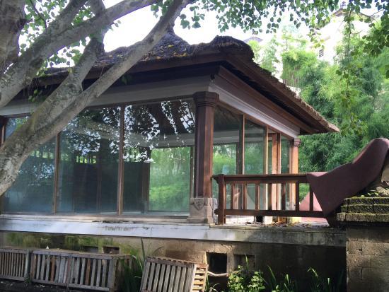 Sekar Nusa Villas: Spa centre abandoned