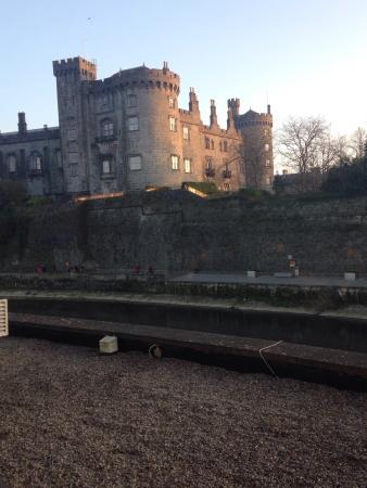 Kilkenny River Court Hotel: Stayed here for St Patrick's day, loved everything about our stay, the room, the view, food and