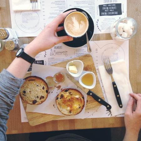 The Circle Eatery : Serving 200 degrees coffee
