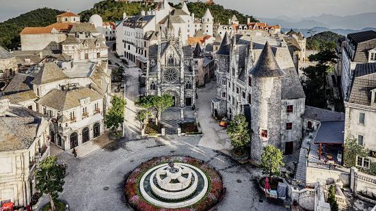 Mercure Danang French Village Bana Hills Hotel