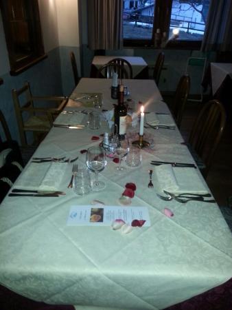 Hotel Biancaneve: In attesa di degustare la tipica cena trentina