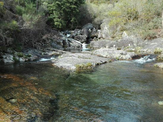 Picture of piscinas naturales del rio pedras for Piscinas naturales rio malo