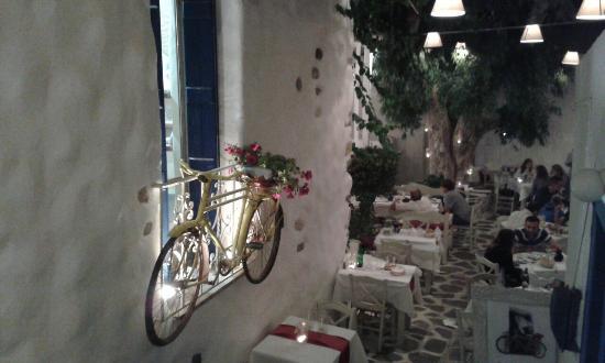 Naxos Town, Greece: 20150704_224759_large.jpg