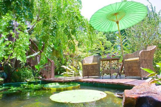 Oriental Siam Resort: garden