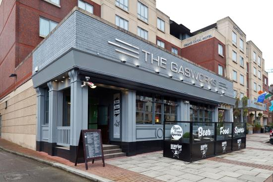 ‪The Gasworks Bar‬