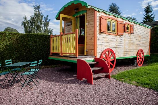 Fresnay-Sur-Sarthe, França: La Bohème Circus, notre roulotte