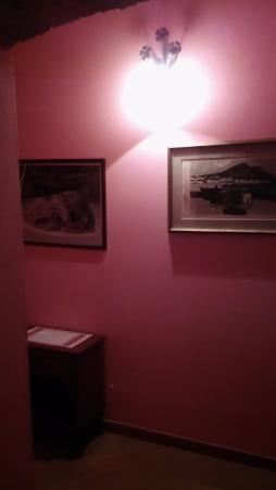 Agriturismo La Pellegrina: Accesso alle camere del primo piano