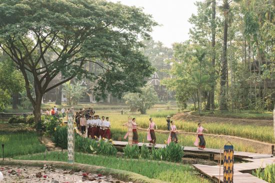 The Dhara Dhevi Chiang Mai: traditional Thai engagement ceremony