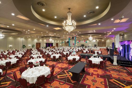 Ramada Plaza Fargo Hotel & Conference Center: Ballroom