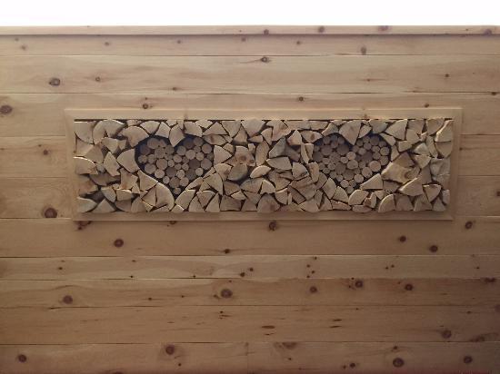 Particolare della camera in legno di cirmolo - Foto di Hotel ...