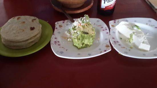 Antiguo Cuscatlan, Сальвадор: Delicious local cuisine of El salvador