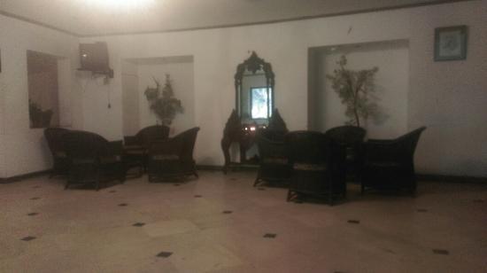 Velan Hotel Ritz: IMAG2866_large.jpg
