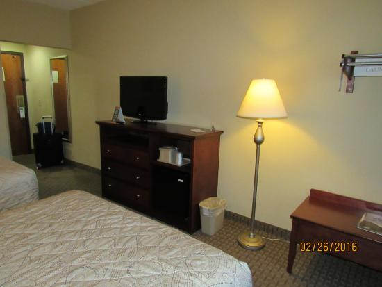 Barrington Hotel & Suites: room furniture