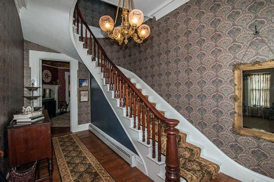 Wallingford, VT: Staircase to your luxurious bedroom