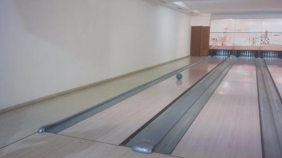 Bowling at Soho Square : لعبة جميلة